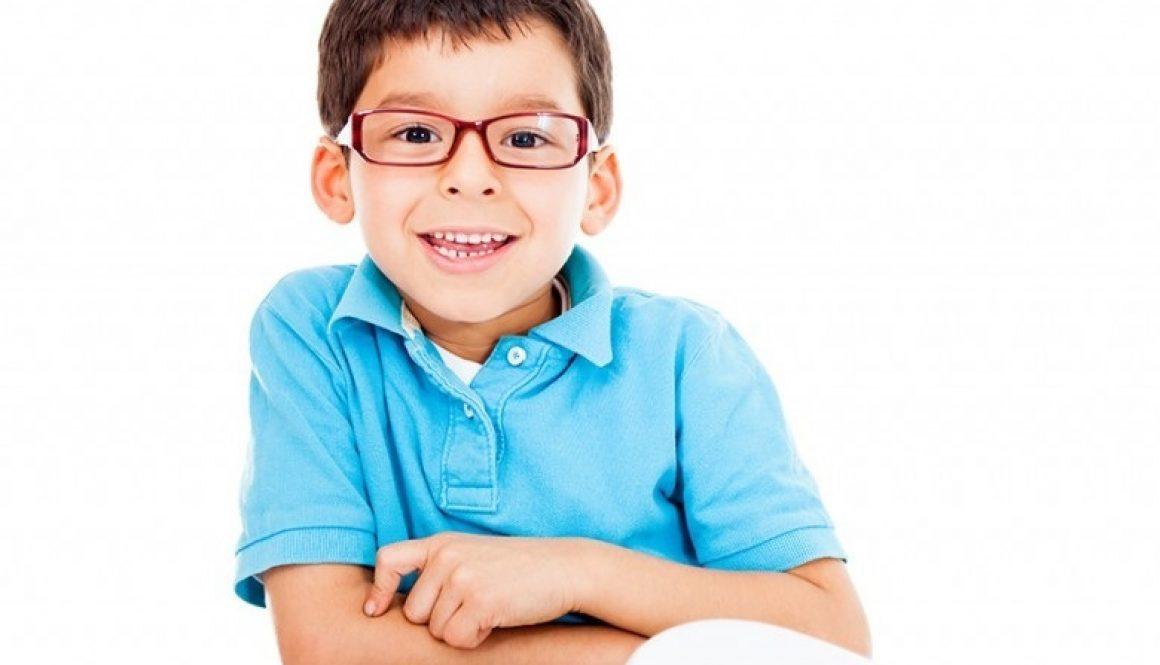 5+1 szempont, amit érdemes figyelembe venni szemüvegkeret választásakor gyermekek számára